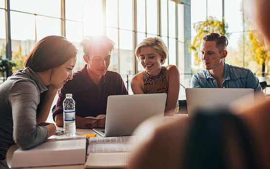 business-group-gathering-for-seo
